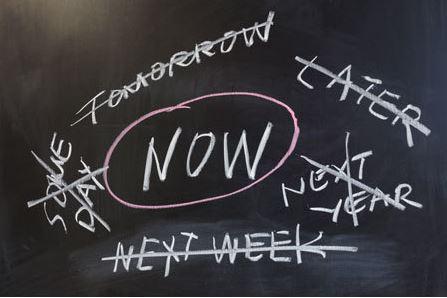 Online sites court procrastinators with speedy shipping