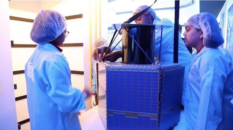Design your satellite at Dubai Mall