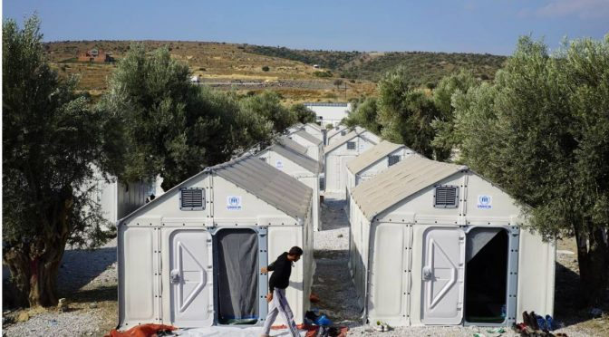 Flat-pack shelter for refugees wins top design award