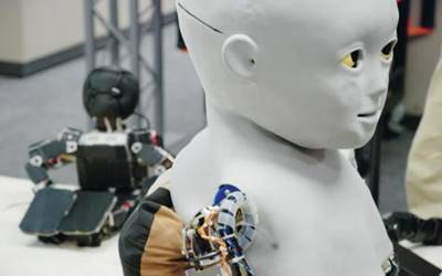 Scientists develop humanlike biological robots