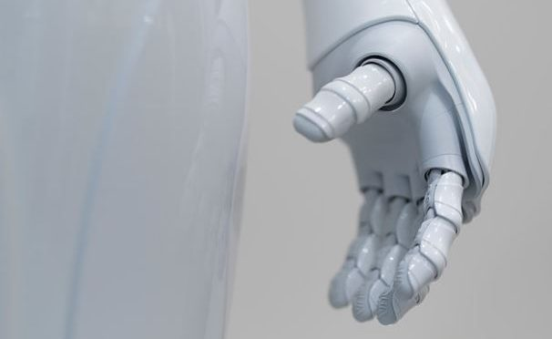 Robots may be smarter, but are they 'electronic persons'?