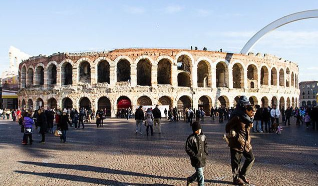 German proposal wins for best idea to cover Verona Arena