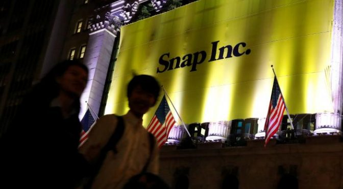 Snap: messages vanish, young billionaires appear