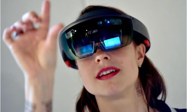 New Microsoft HoloLens to incorporate AI