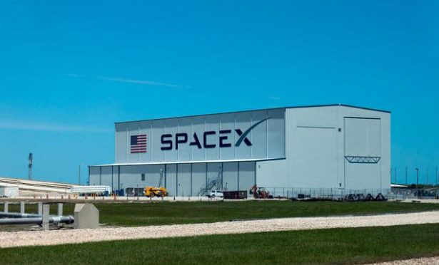 SpaceX launches cargo to space station
