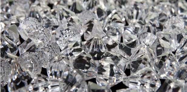 Tiny diamonds can prevent fires in mobile phone batteries