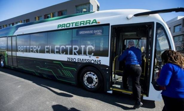Proterra electric bus travels 1,100 miles without recharging
